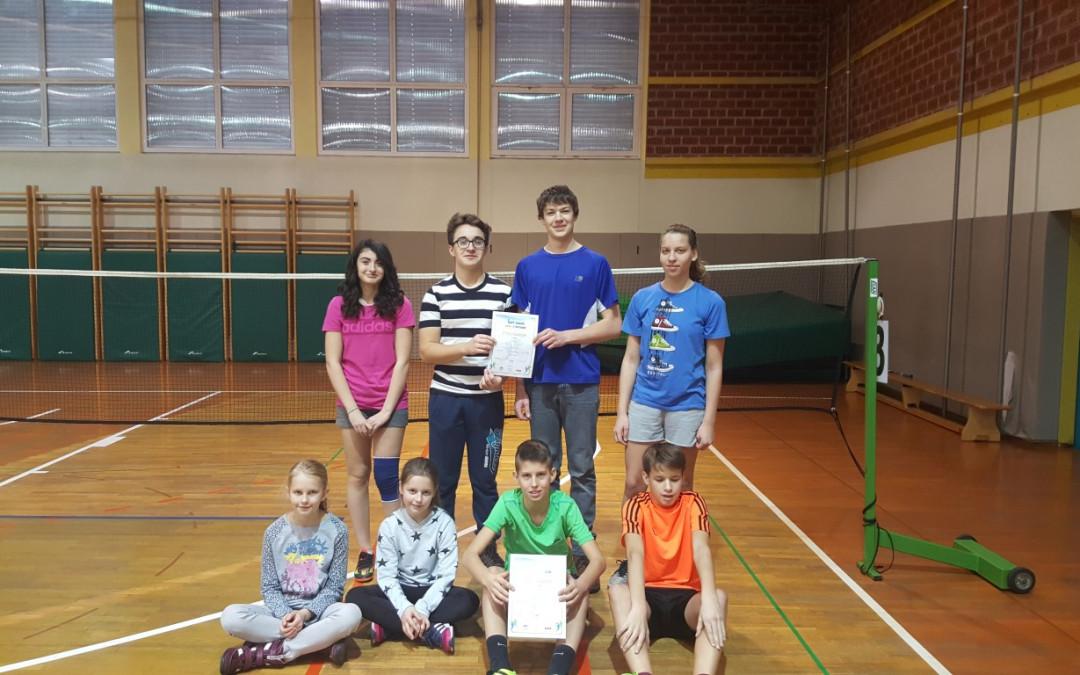 Badminton ekipno!